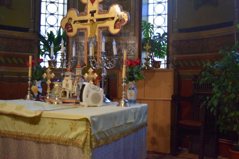 altar cu obiectele de cult